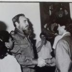 Poignée de main Fidel Castro / Patrice Barrat